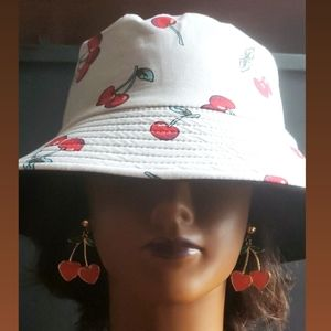 🍒 hat and Earrings